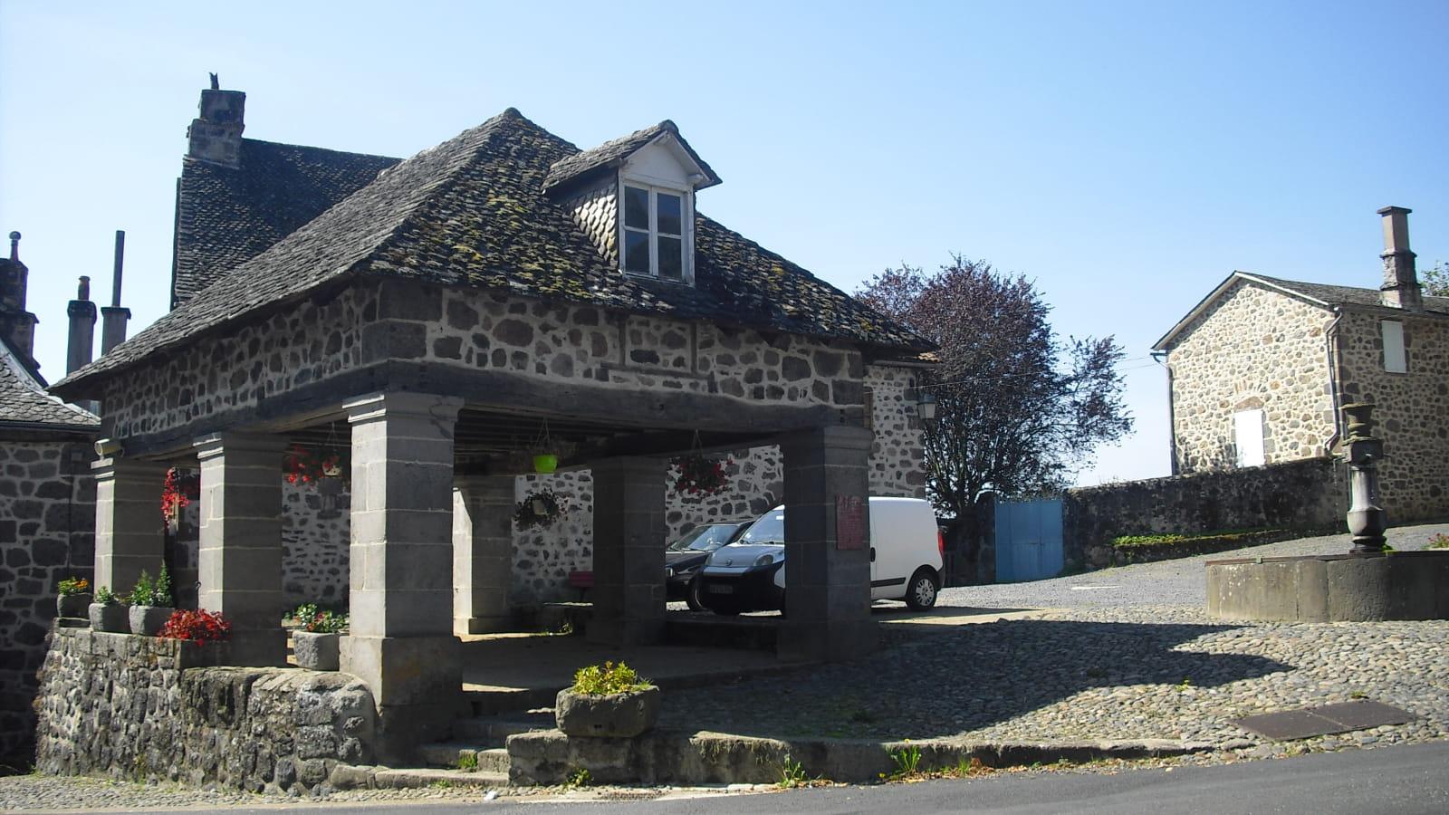 Marché couvert Saint-Martin-Valmeroux