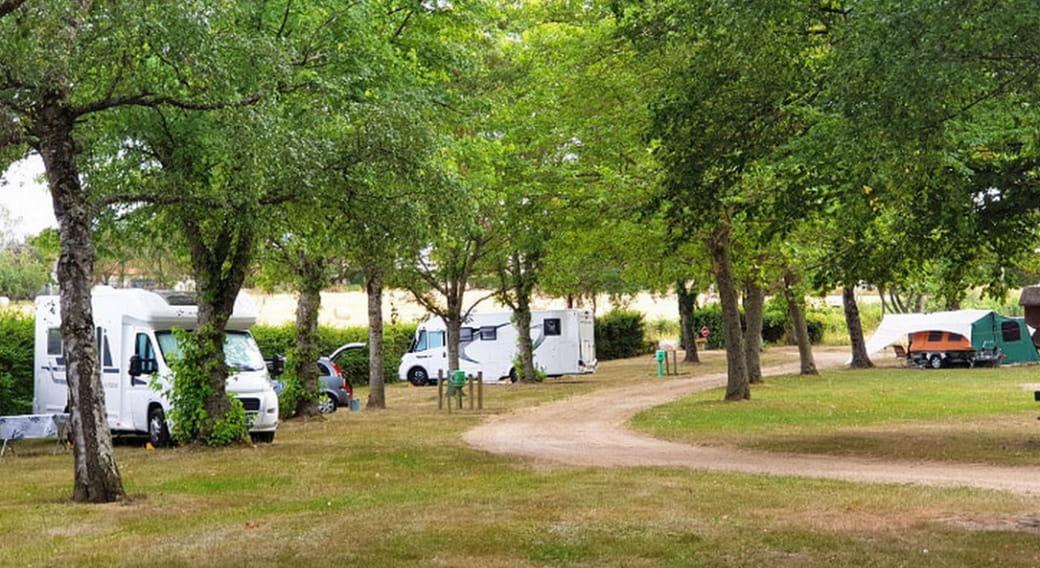 Camping de la Gravière -Louroux de Bouble