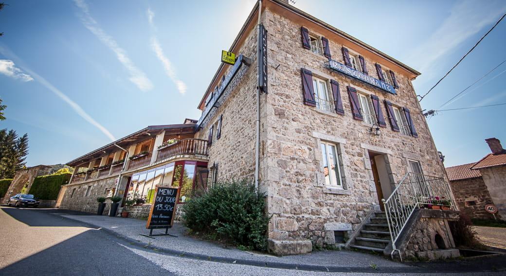 Espace détente de l'Hôtel-restaurant Au Pont de Raffiny