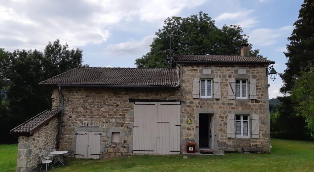 Le Bourg de Lavoine