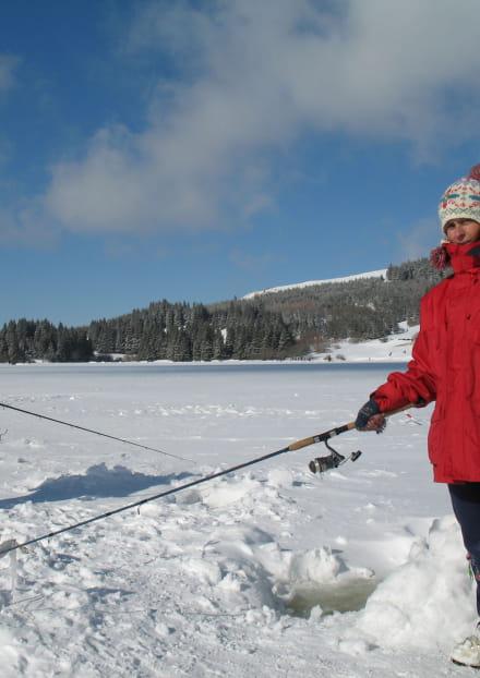 Ouverture de la pêche au Lac de Guéry - Pêche au trou