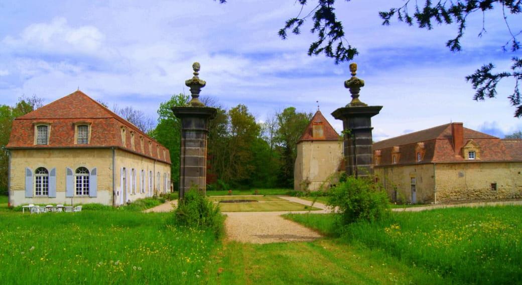 Chambres du Château Fontnoble à Biozat dans l'Allier en Auvergne
