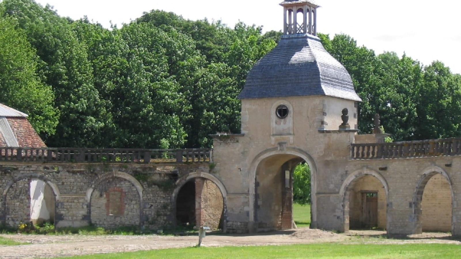 De manoirs en châteaux