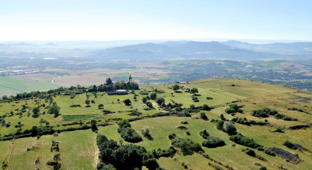 Vue aétienne du Plateau de Gergovie