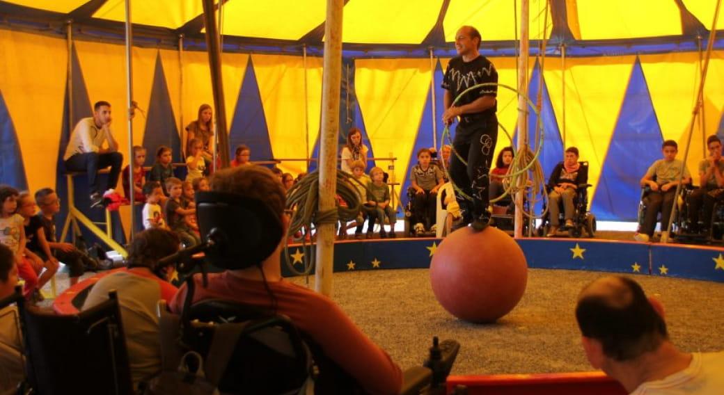 Représentations du cirque Piccolino