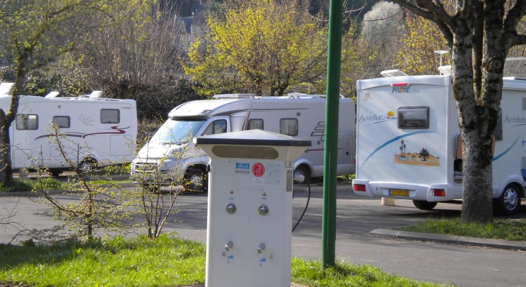 Le Vialard - Aire de Camping Cars