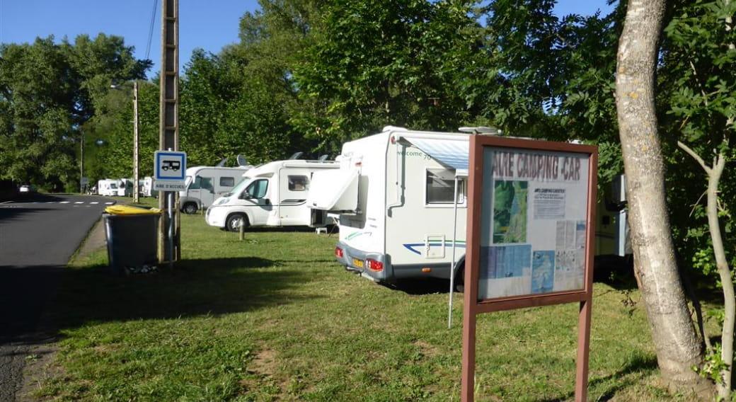 Aire d'accueil camping-car municipale de Massiac