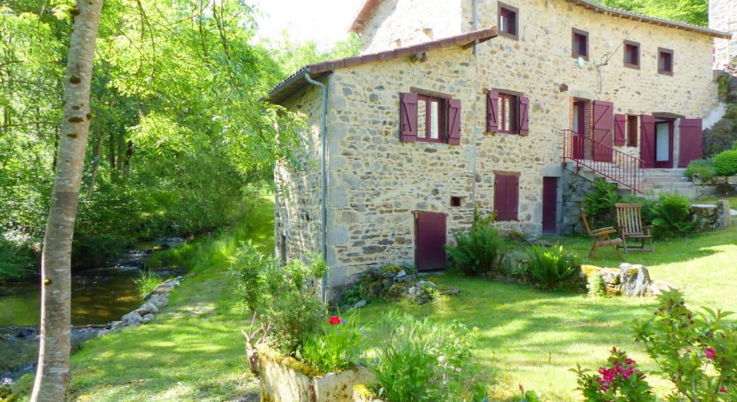 Gîte Moulin des Thons à FERRIERES-SUR-SICHON dans l'Allier en Auvergne