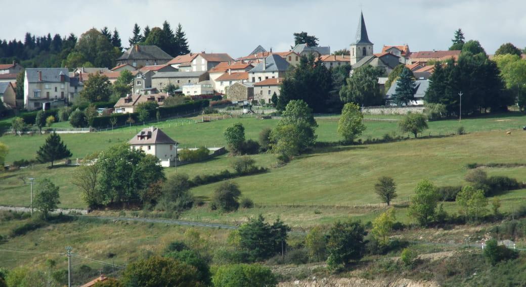 Le village de Védrines Saint-Loup