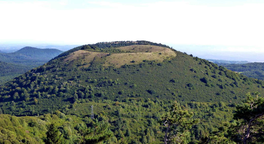 Le puy des Goules, vue depuis le puy du Pariou