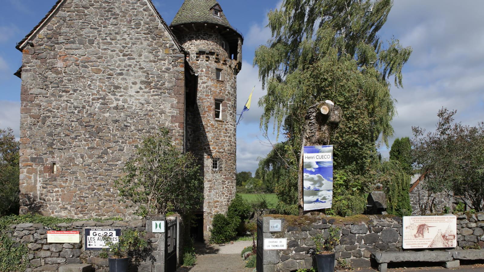 Vu extéieure du château de la Trémolière