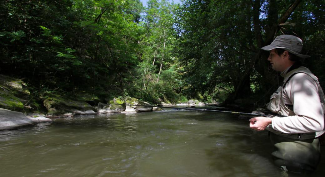 Site de pêche de la Couze Pavin à St Pierre Colamine
