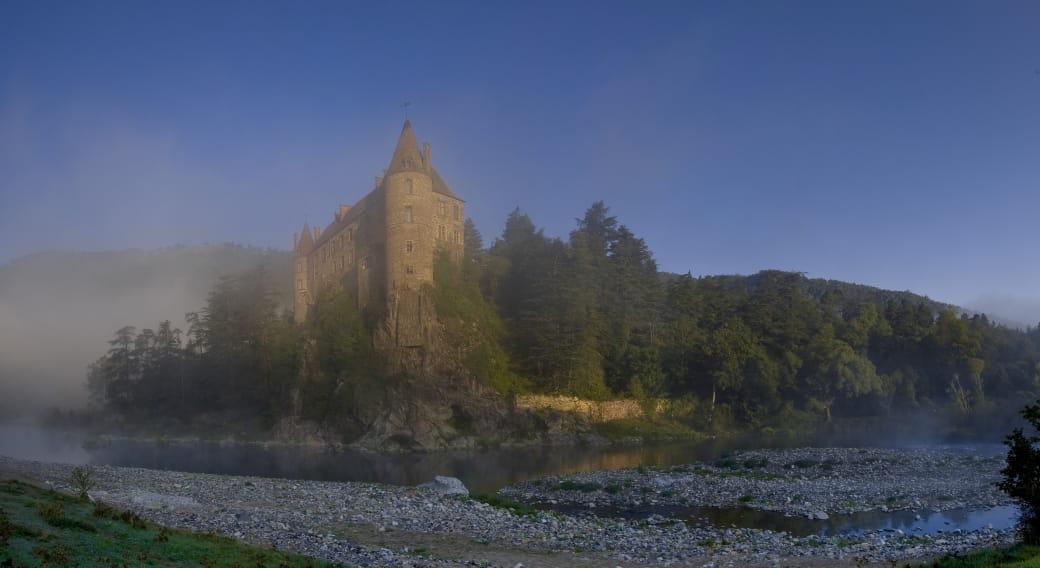 Chateau de Lavoute Polignac, 1er chateau de la Loire.