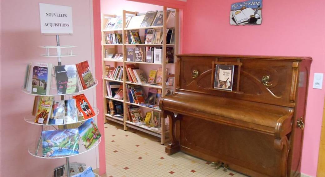 Bibliothèque de Saint-Bonnet-Près-Orcival