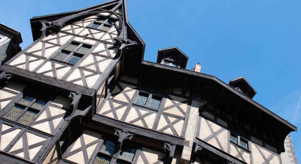 Château du Pirou, local de la Maison du Tourisme du Livradois-Forez, bureau du Thiers