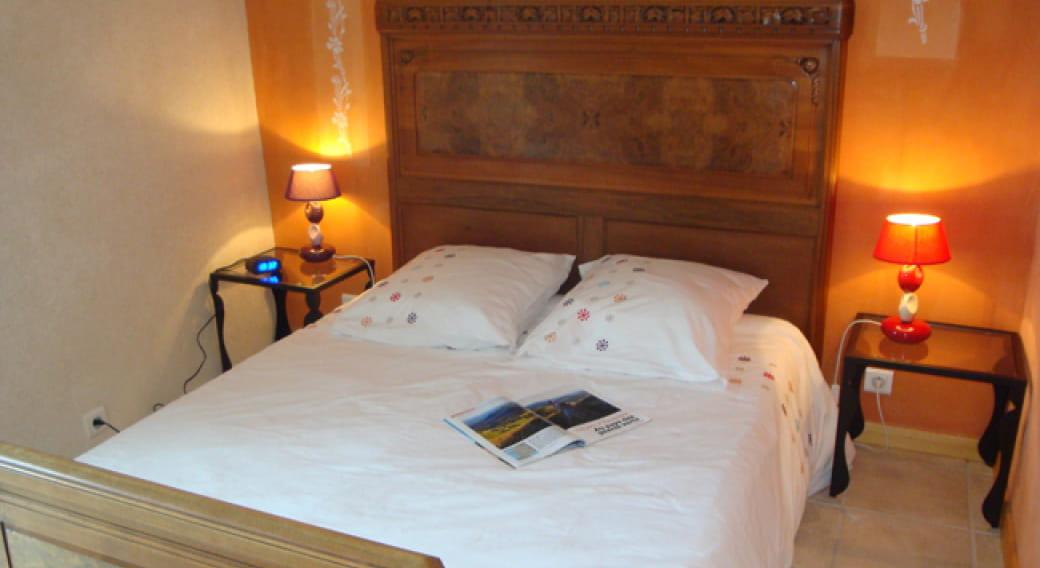 Appartement Puy des Baies Rochefort-Montagne chambre 1