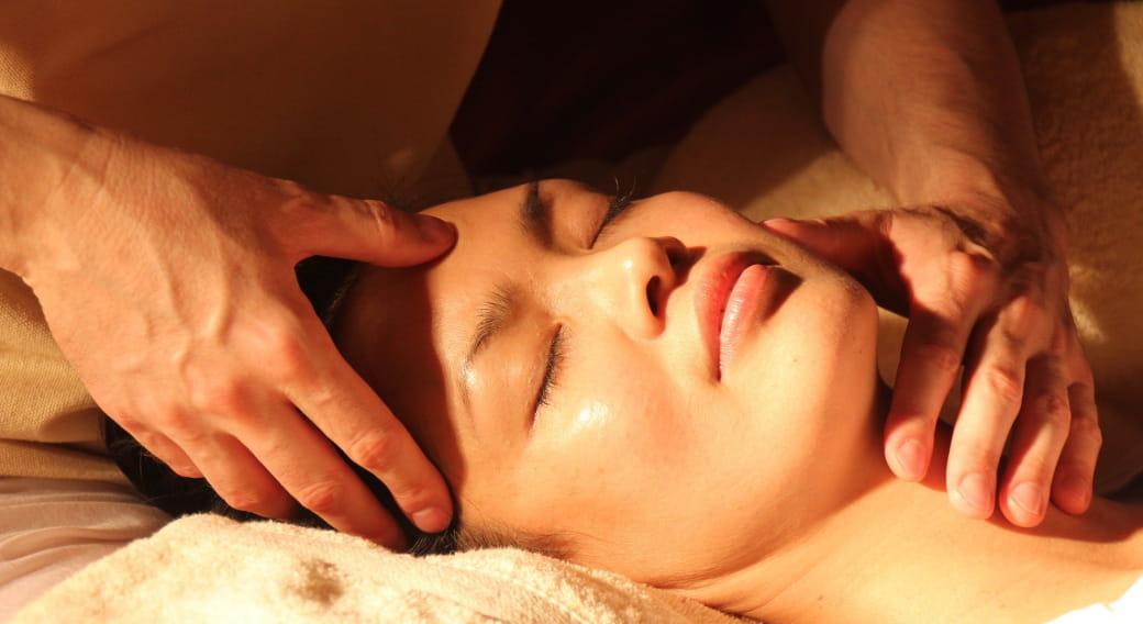 Détendez-vous lors du massage Suédois-Californien