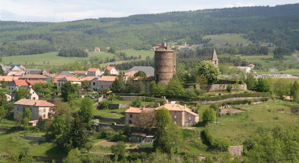 Village de Ruynes en Margeride