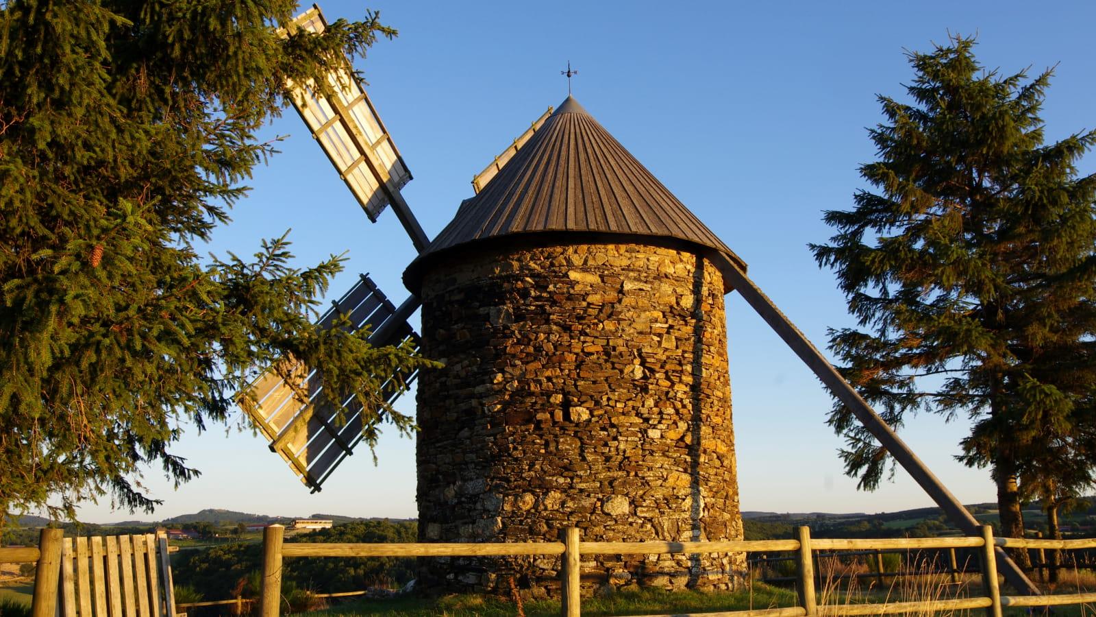 Moulin à tous vents