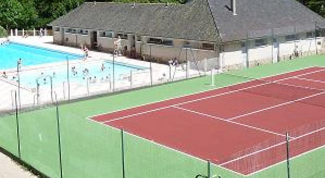 Tennis de Chaudes-Aigues (courts extérieurs)