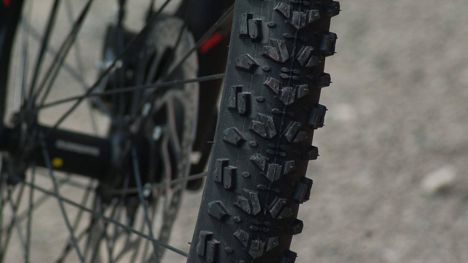 mountain-biking-1437534_1920
