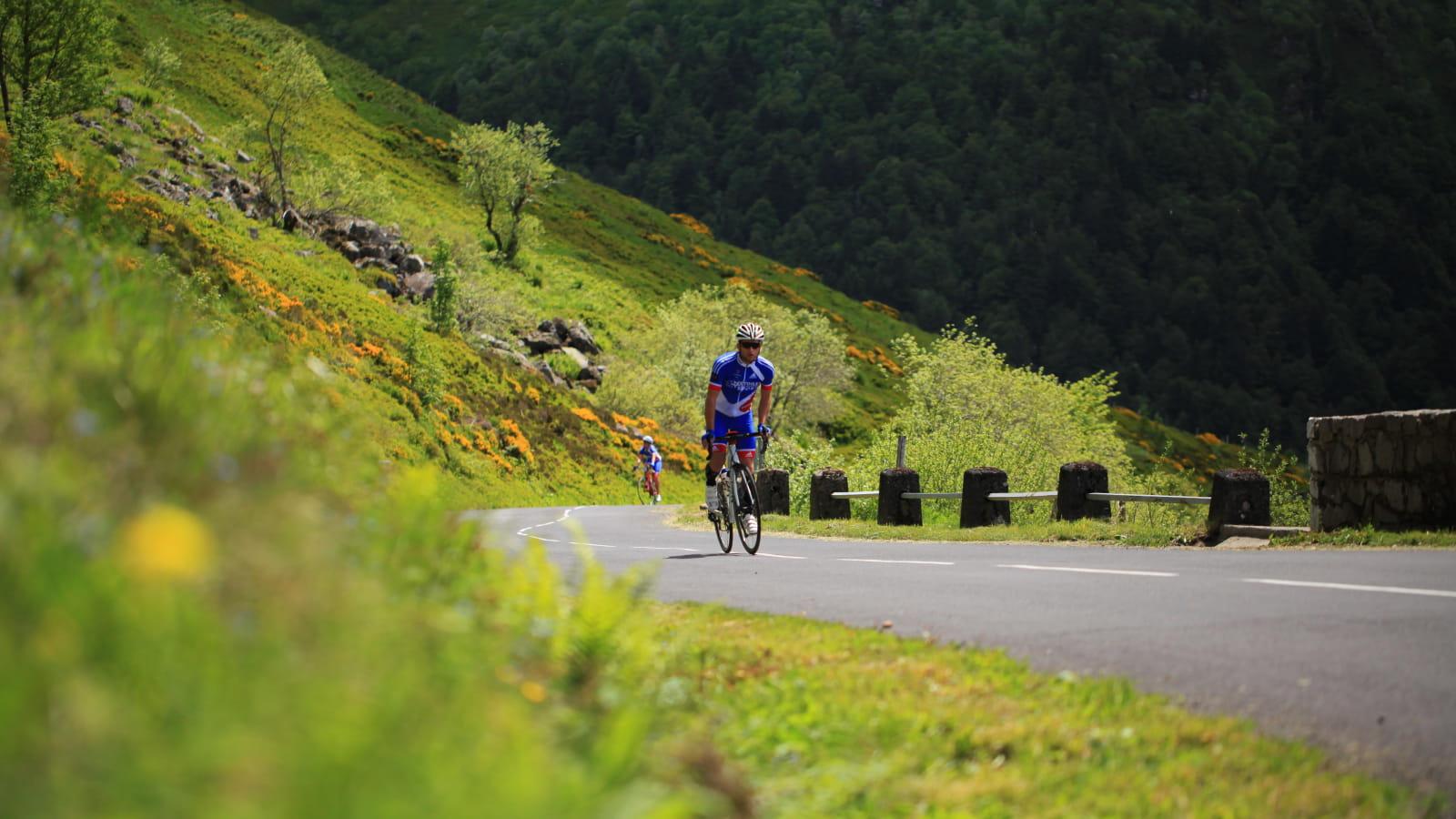 Cyclo en Pays de Salers