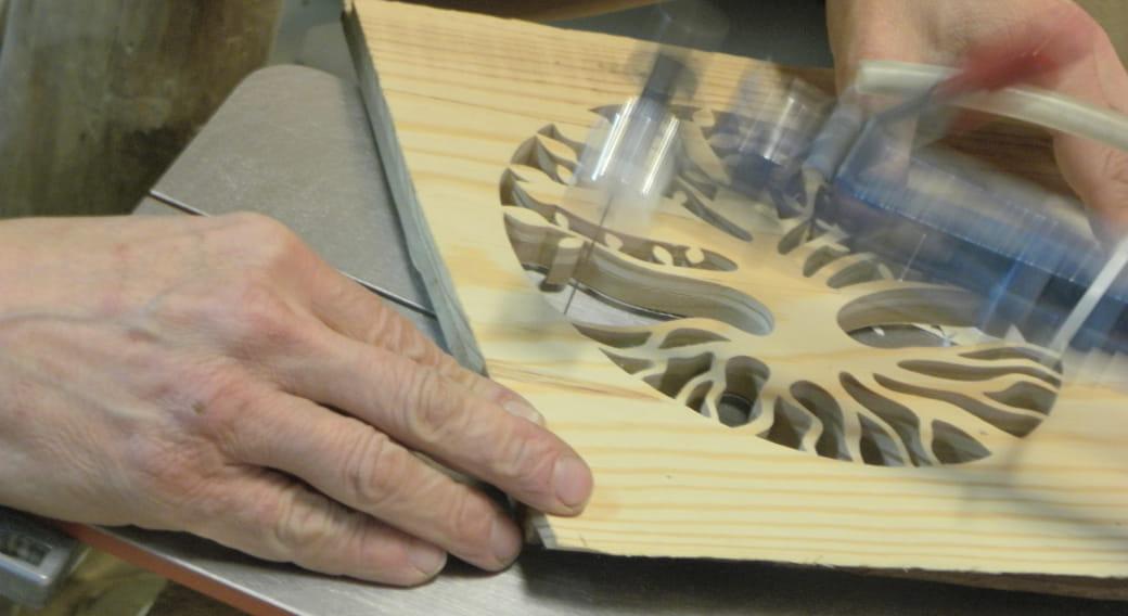Atelier de bois chantourné