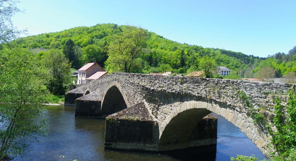 Aire de pique-nique - Pont de Menat
