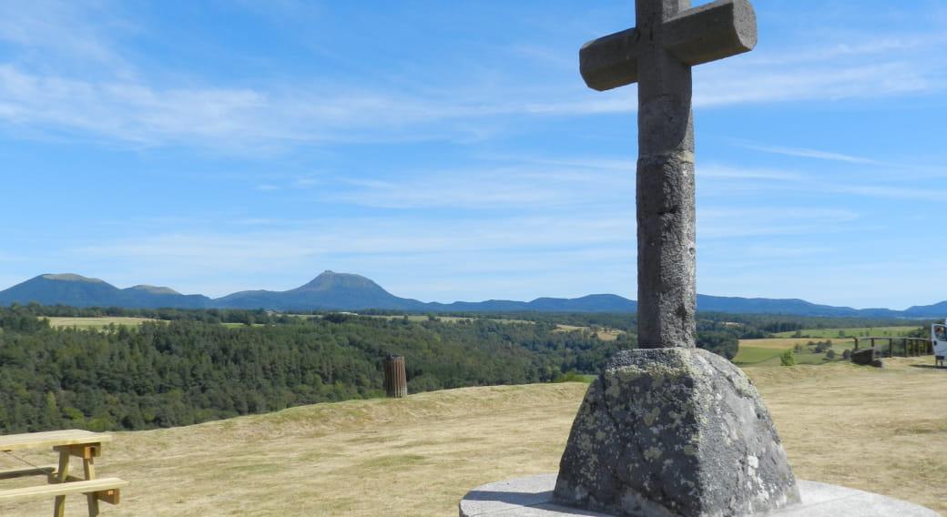 Butte de Saint-Pierre-Le-Chastel