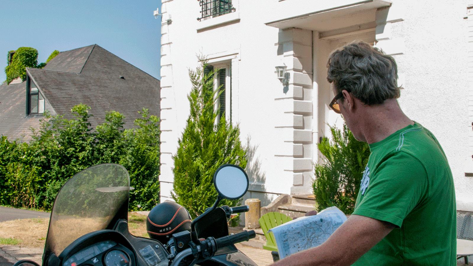 Moto dans le Cantal