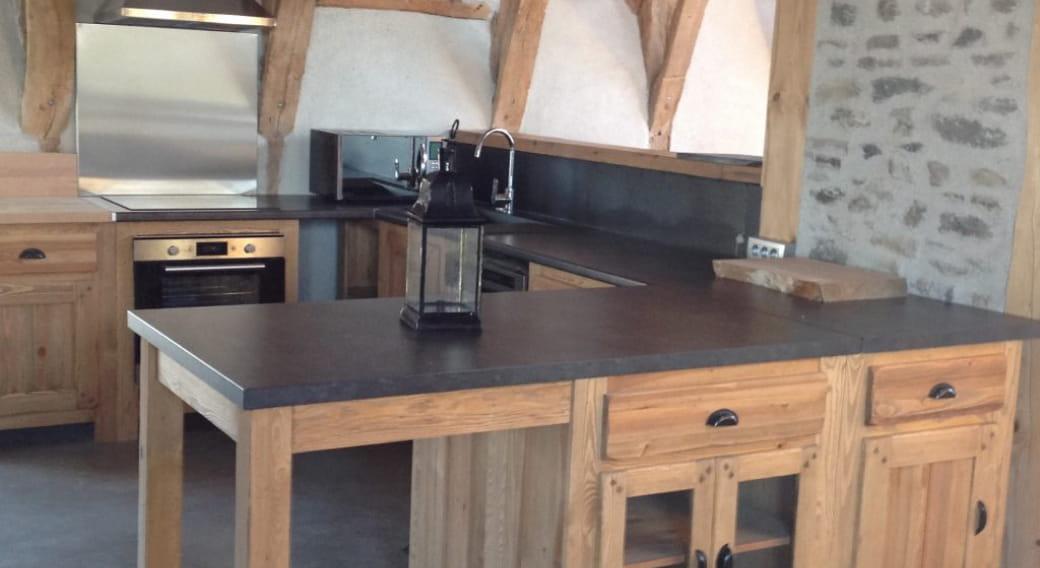 Maison Gîte La Bergère Orcival cuisine