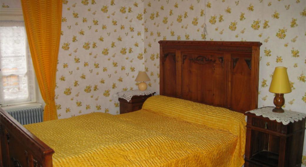 Appartement Bony Saint Pierre Roche chambre 1