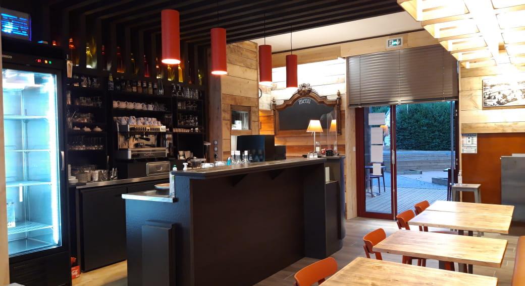 Le bar du restaurant pour se retrouver autour d'un verre