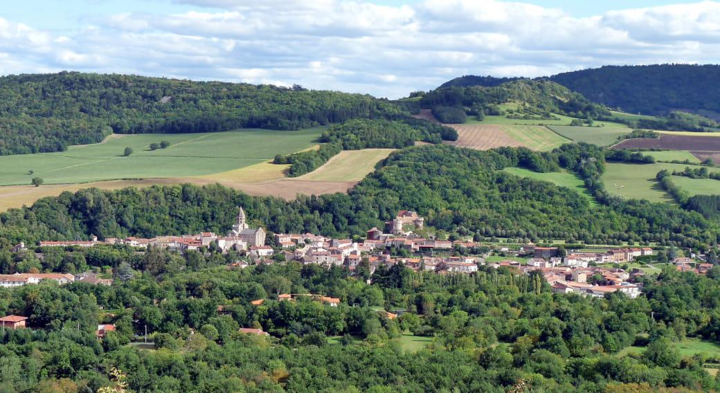Vue du village de Saint-Saturnin