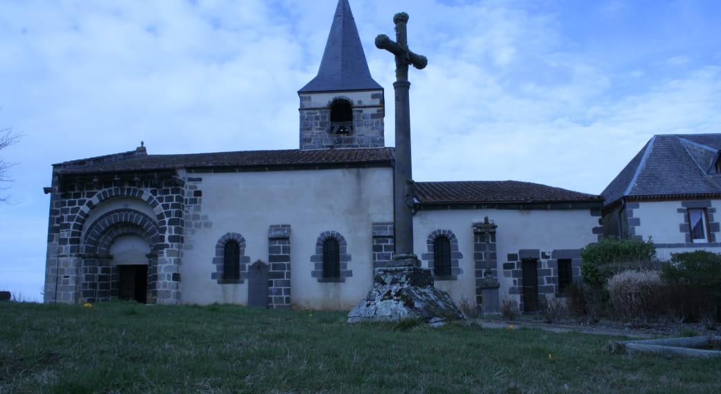 Eglise de Comps au coucher du soleil